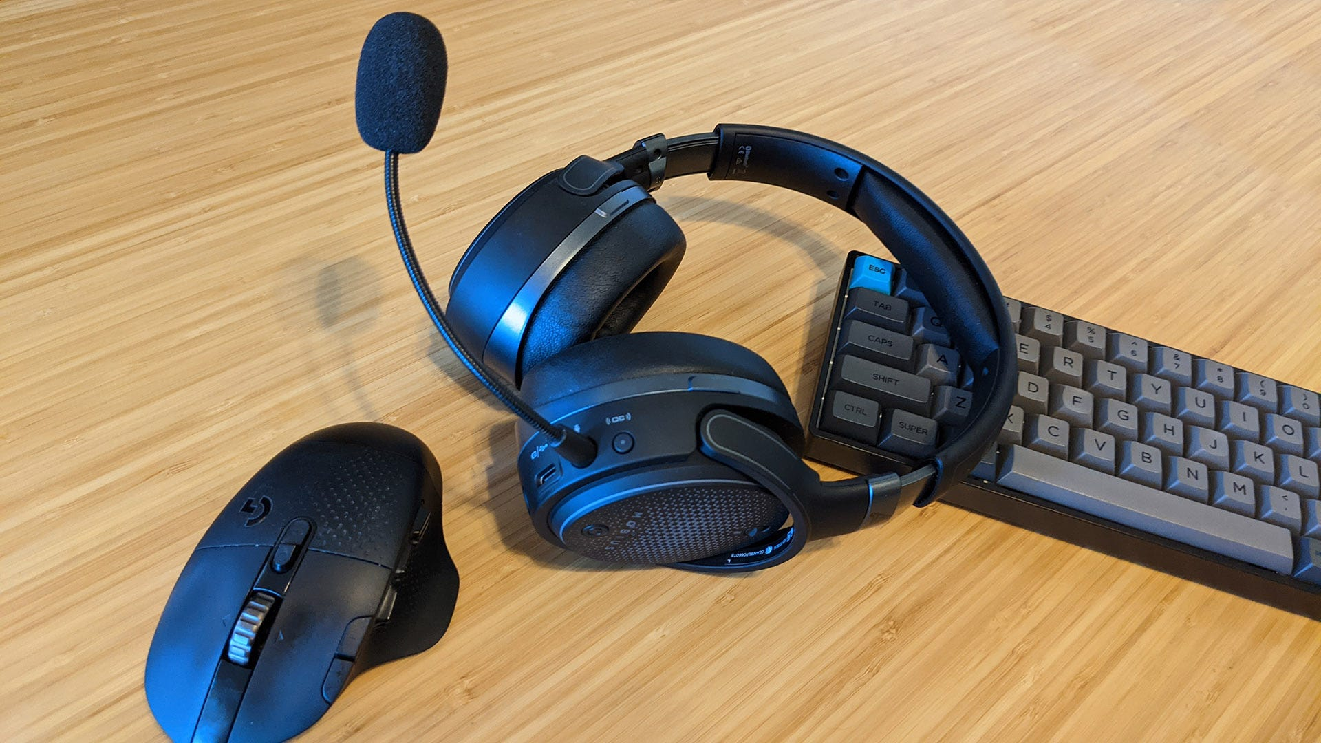 Audeze Mobius with mouse and keyboard