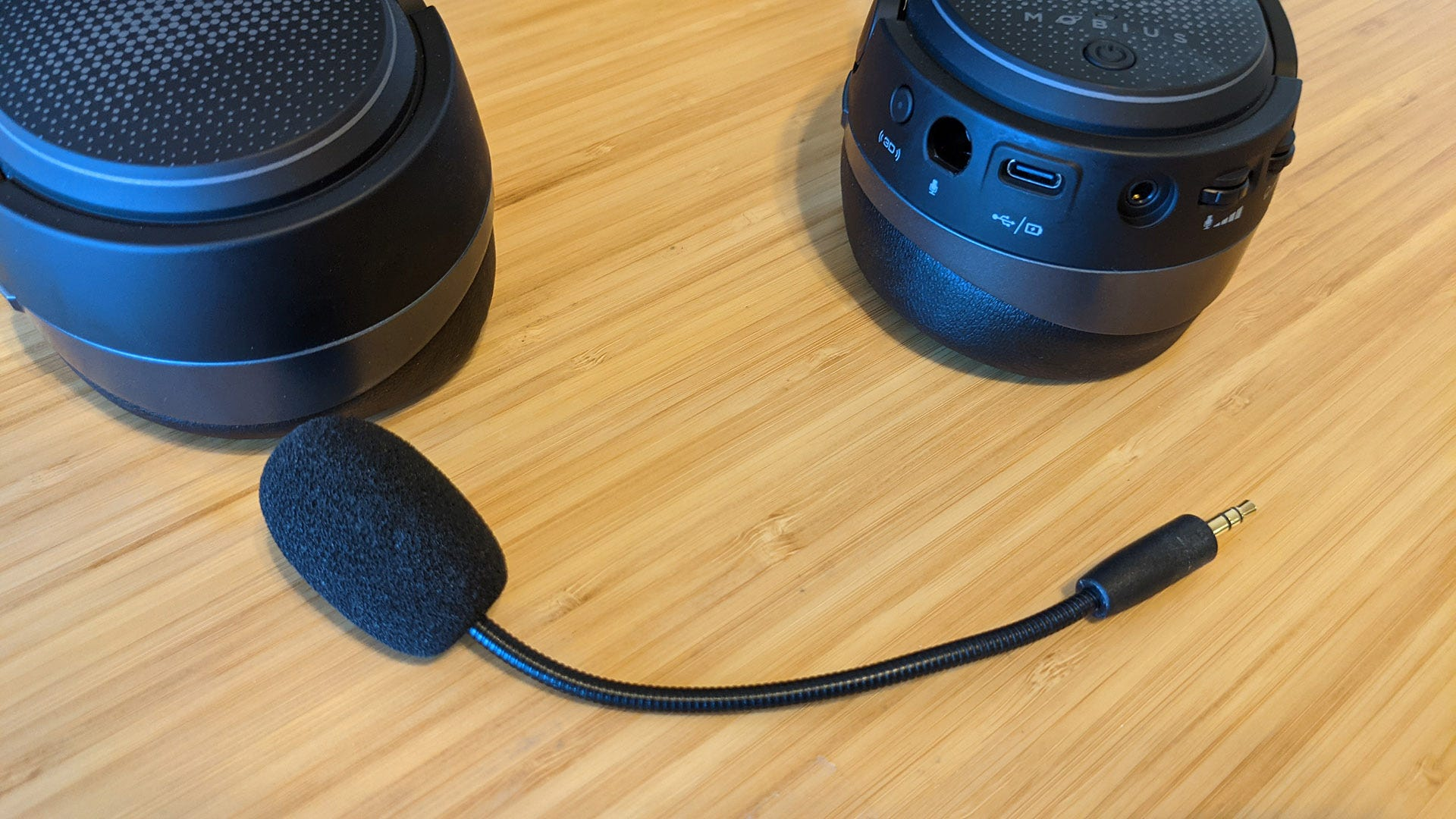 Audeze Mobius microphone boom