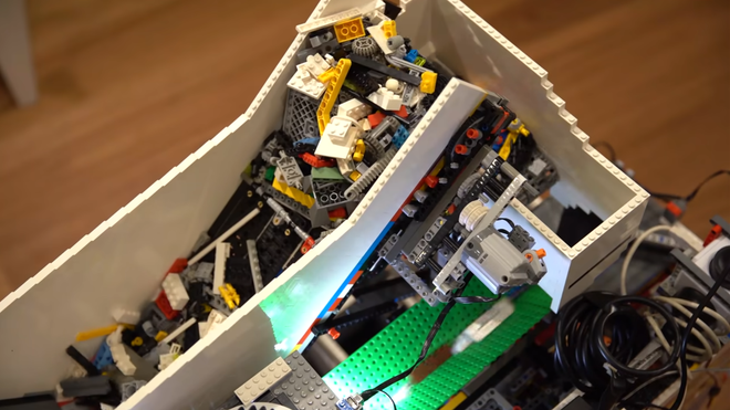 Watch a Raspberry Pi Machine Sort Every LEGO Brick There Ever Was or Will Be