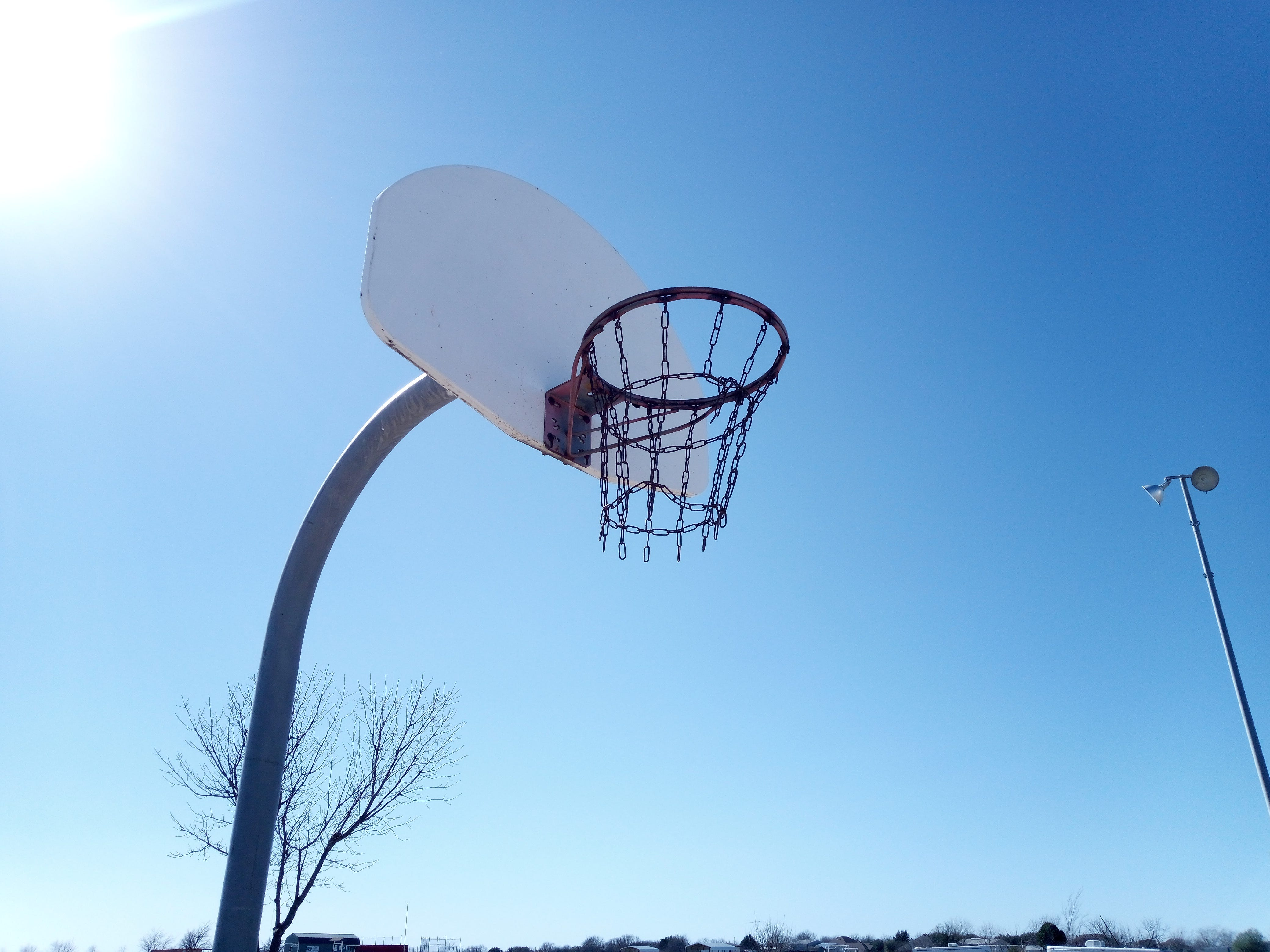 Cat S42 sample photo: basketball hoop
