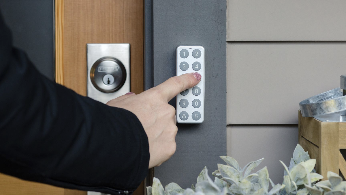 A photo of the Wyze Smart Lock and Keypad.