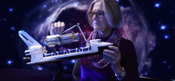 LEGO's $200 NASA Space Shuttle Discovery Comes With a Hubble Telescope