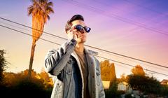 Razer's New Smart Glasses Pump Up the Sound and (Thankfully) Skip the RGB
