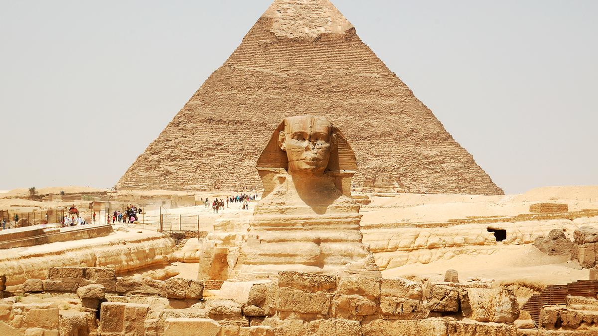 A photo of the great pyramids at Giza.