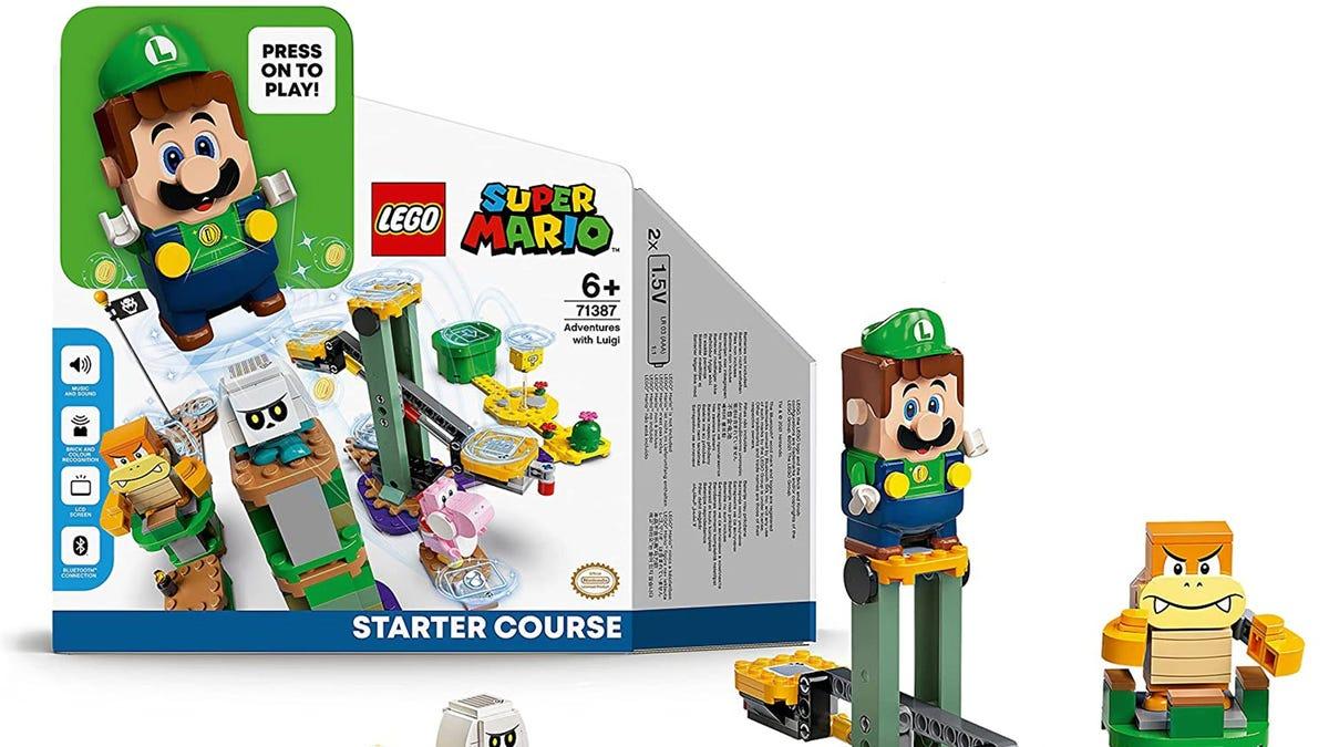A LEGO Luigi Starter Pack