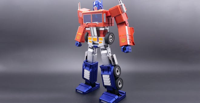 Hasbro's New $700 Optimus Prime Transforms All By Himself