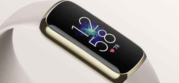 """Fitbit's New High-End """"Luxe"""" Tracker Is Available for Pre-Order"""