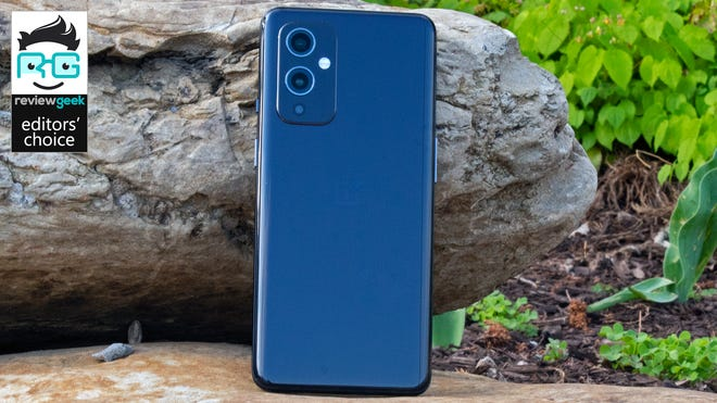 OnePlus 9 Review: A Hecuva Deal for the Right Compromises