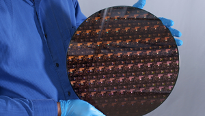 IBM's Revolutionary 2nm Chip Uses Components Smaller Than a Strand of DNA