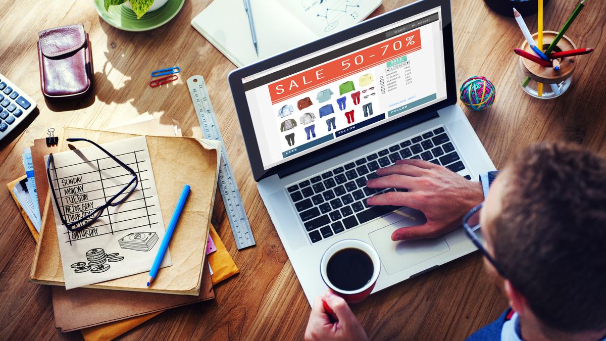 Digital online shopping sale concept