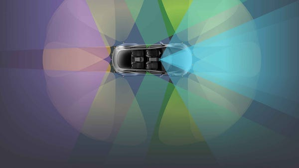 Tesla's New Autopilot Update Uses the In-Car Camera to Spot Distracted Drivers
