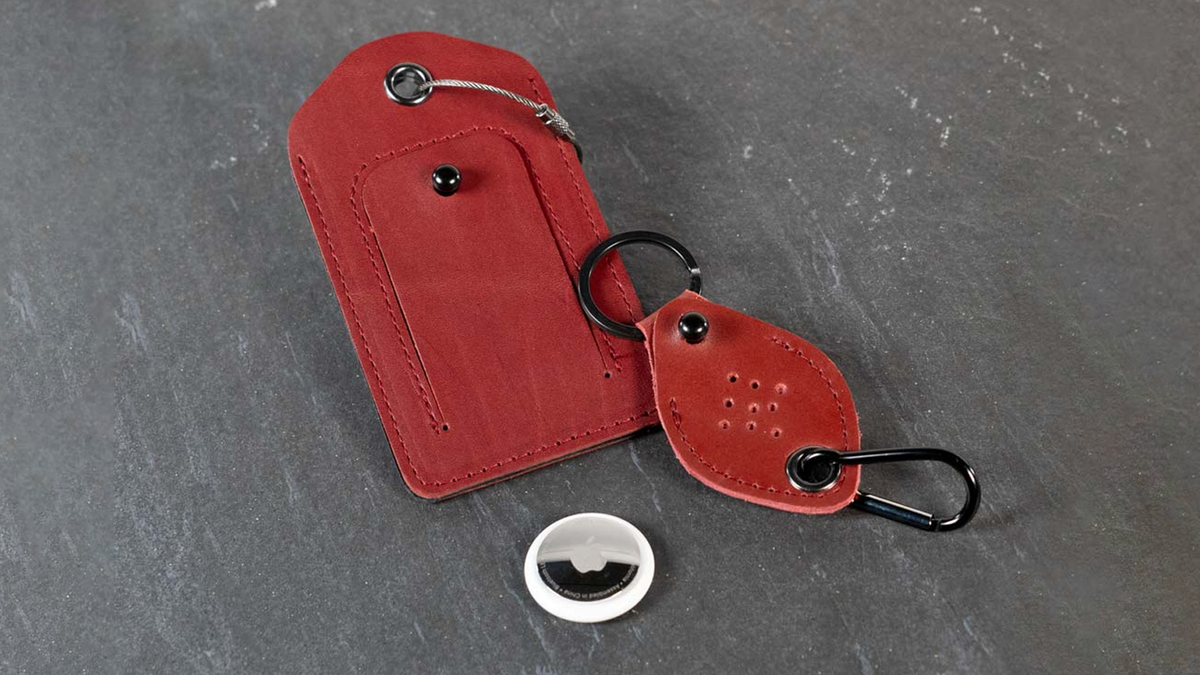 The WaterField AirTag Keychain and Luggage Tag