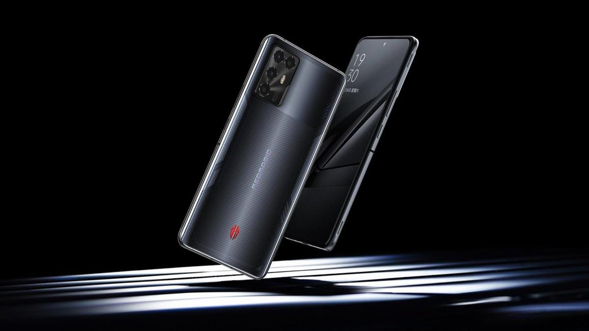 The RedMagic 6R smartphone.