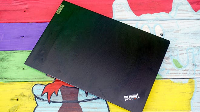Lenovo ThinkPad E14 Review: Too Boring and Expensive to Compete