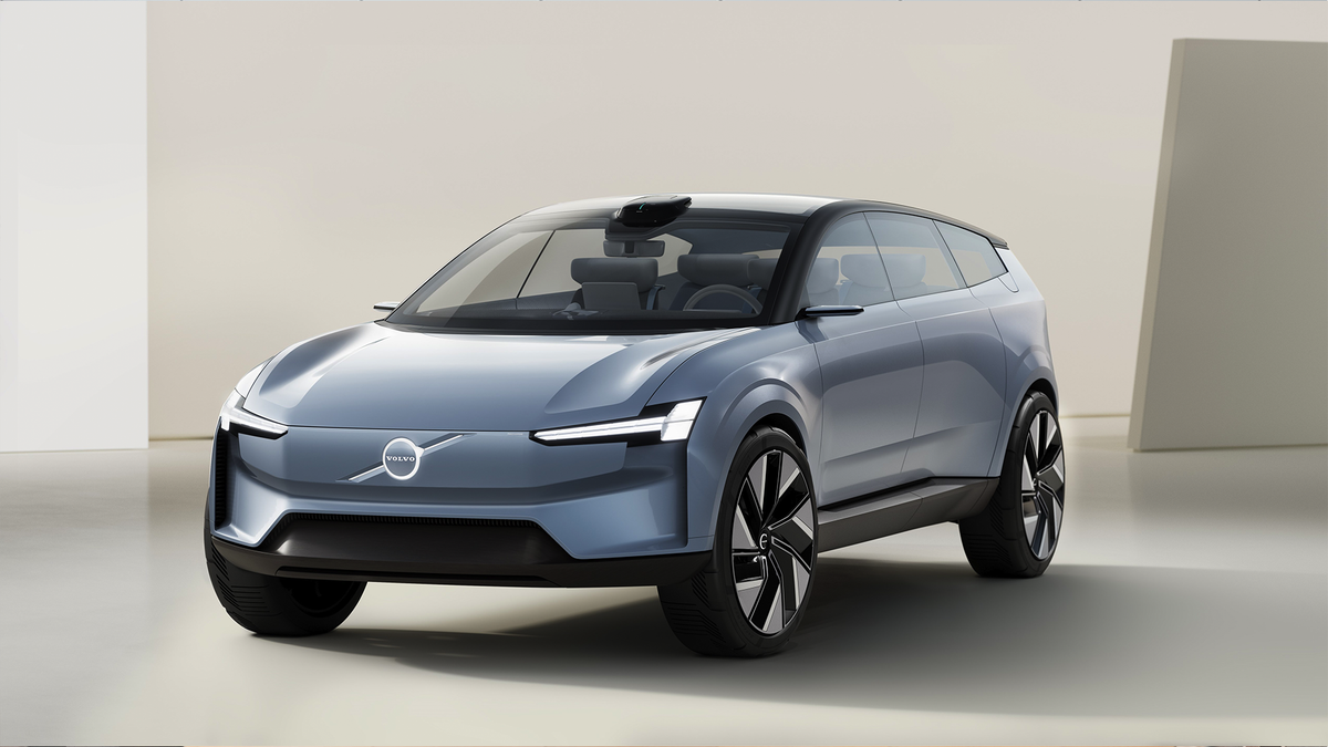 The Volvo Concept Recharge EV.