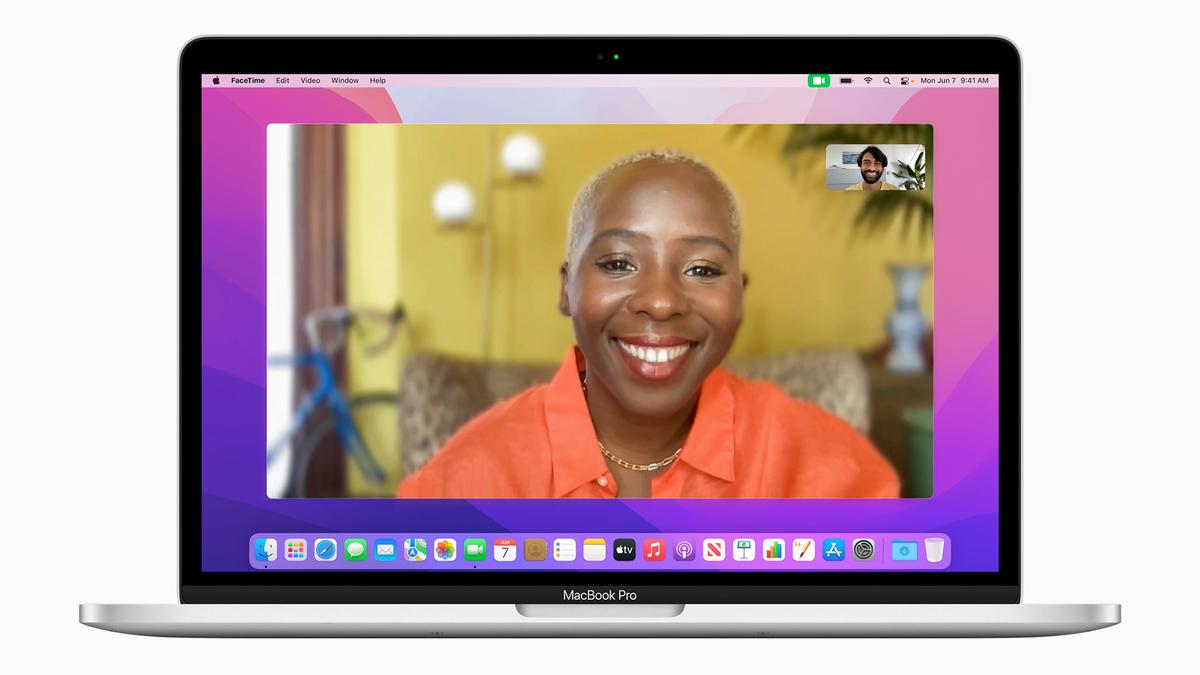 FaceTime Portrait mode in macOS Monterey.