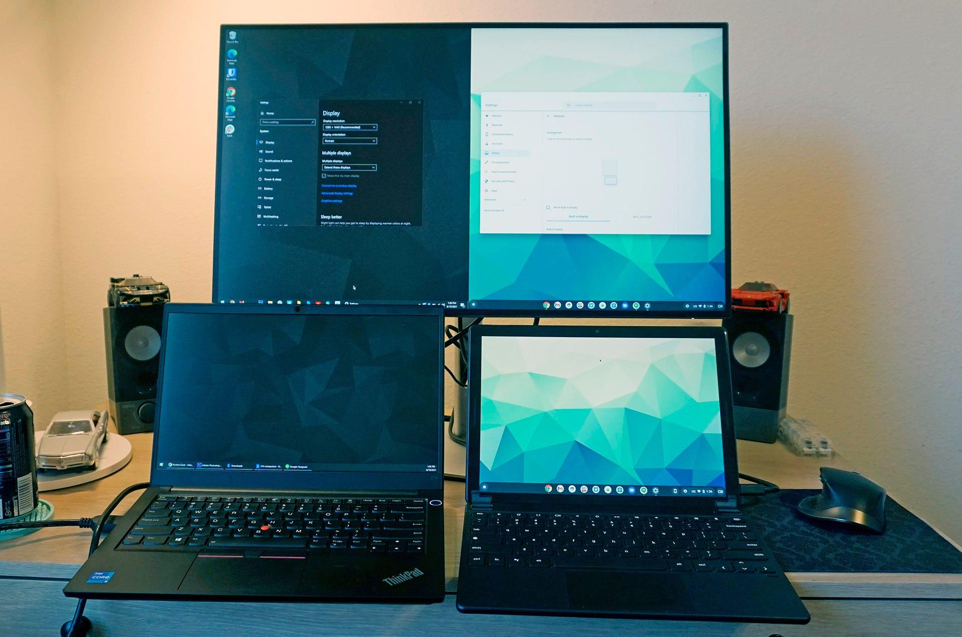 Dell Ultrasharp U2722DE in picture-in-picture mode