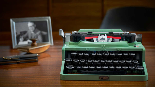 LEGO Just Debuted a New Typewriter Set and I Want to Write My Novel With It