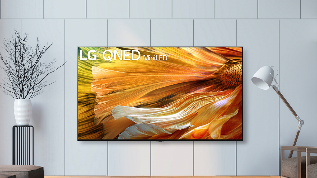 An LG QNED99 TV.