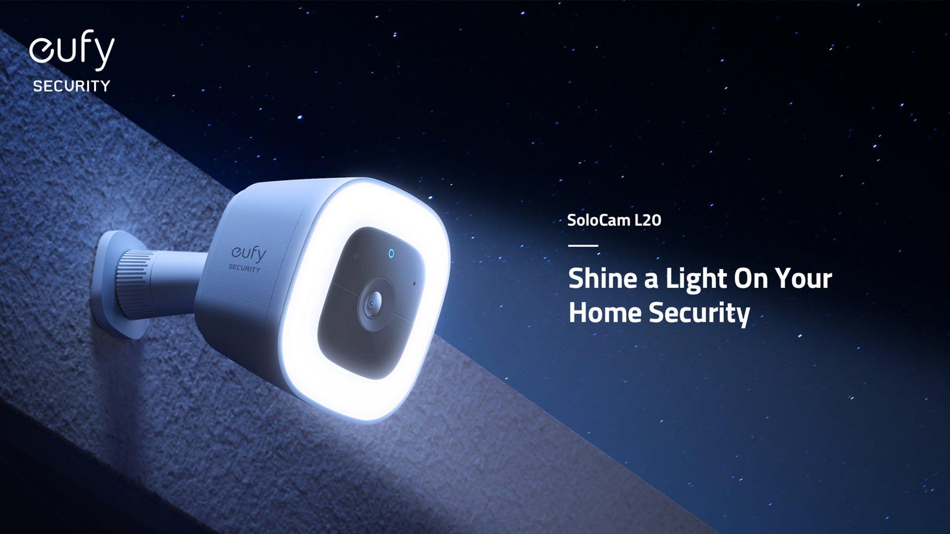 A camera with a spotlight shines in a garden.
