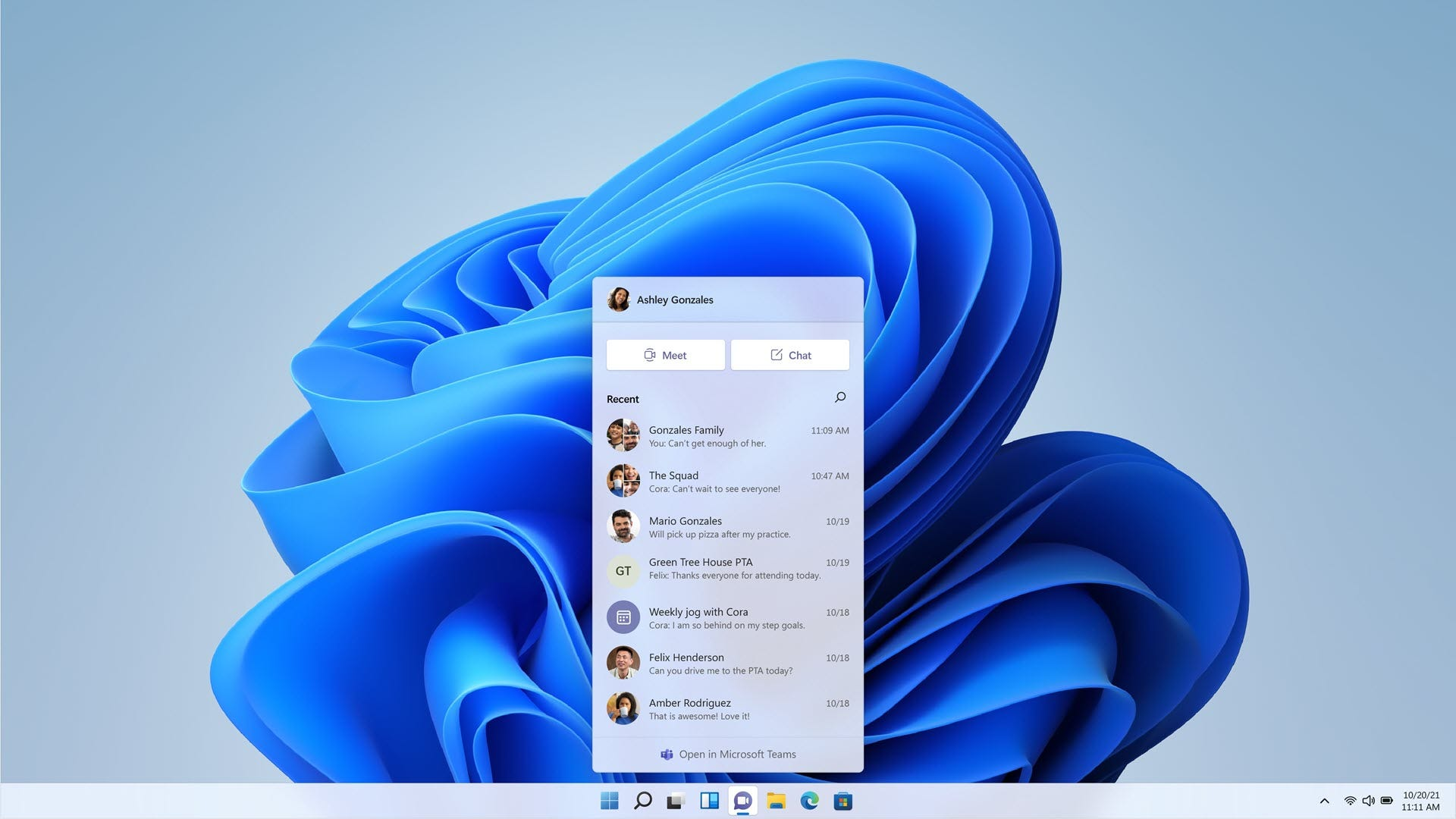 A chat button in Windows 11