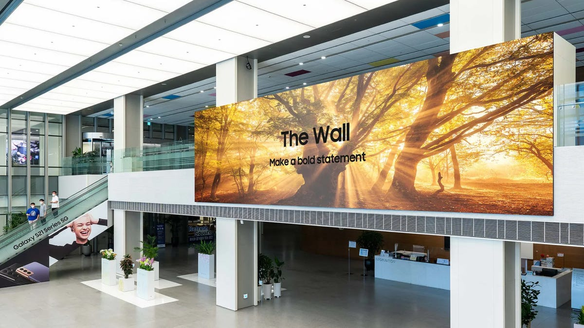 """Samsung's """"The Wall"""" MicroLED TV"""