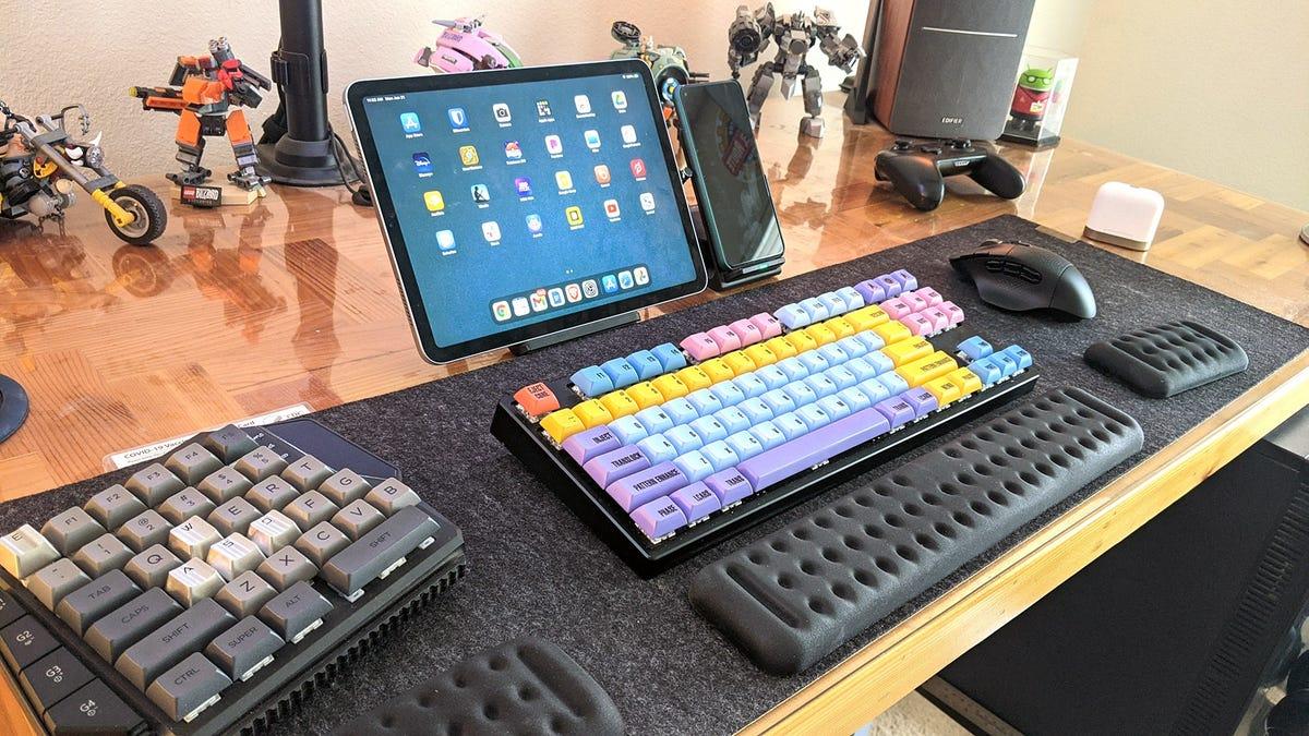 Etsy Oakywood felt and cork desk mat