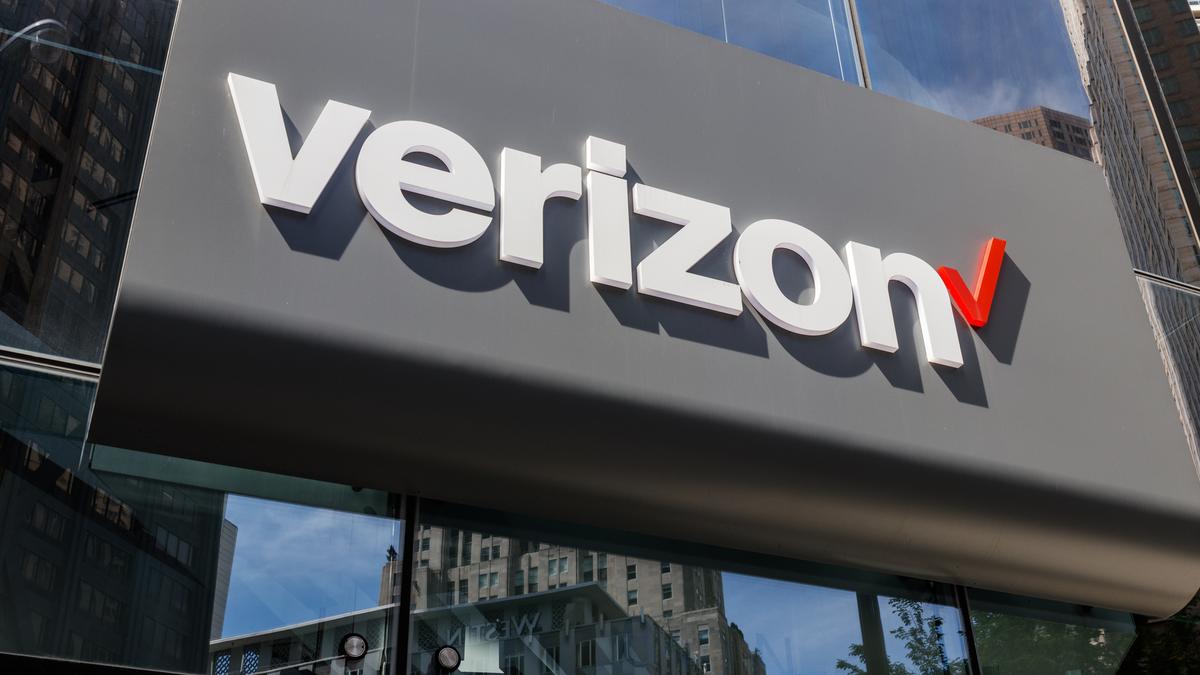 Verizon Wireless retail location logo on front of store