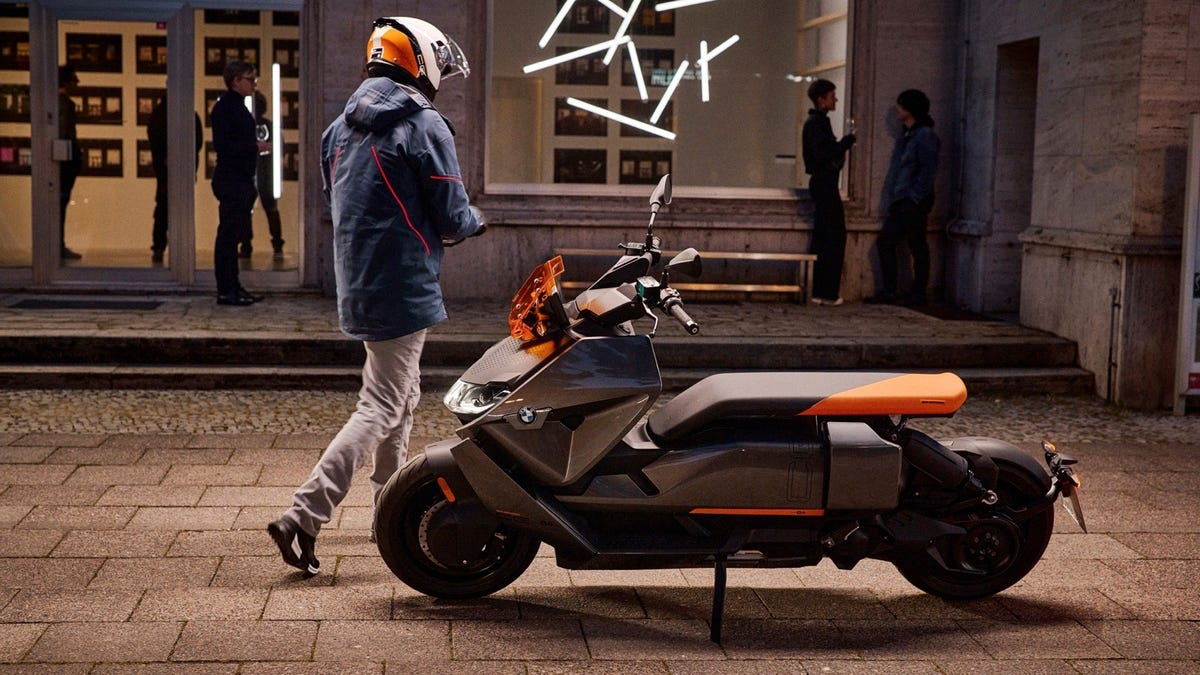 BWM CE 04 electric scooter