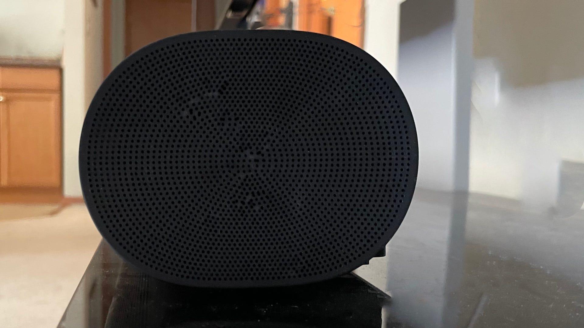 Side profile of Sonos ARC soundbar