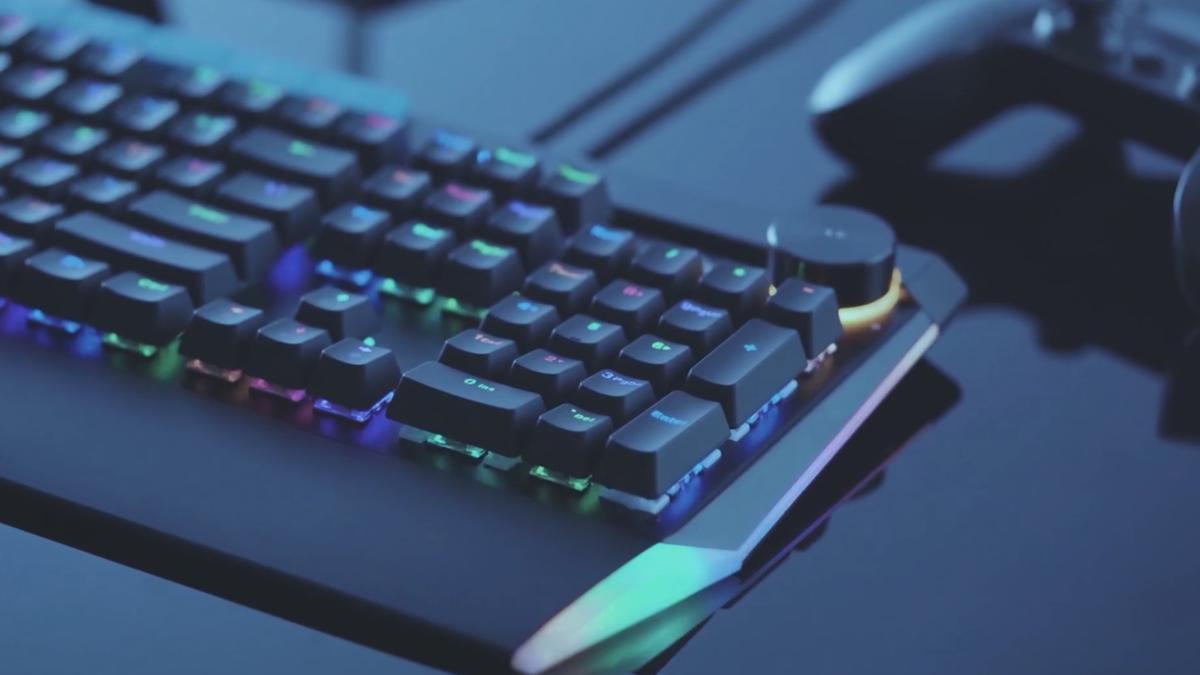 Aukey KM-G17 mechanical keyboard