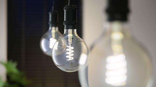 Philips Hue's New Filament Bulbs Match Natural Lighting Throughout the Day