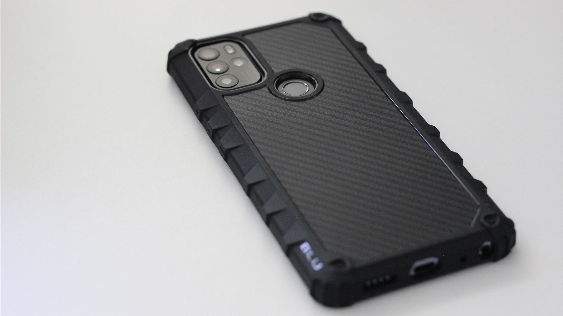 The G91 Pro in the included case