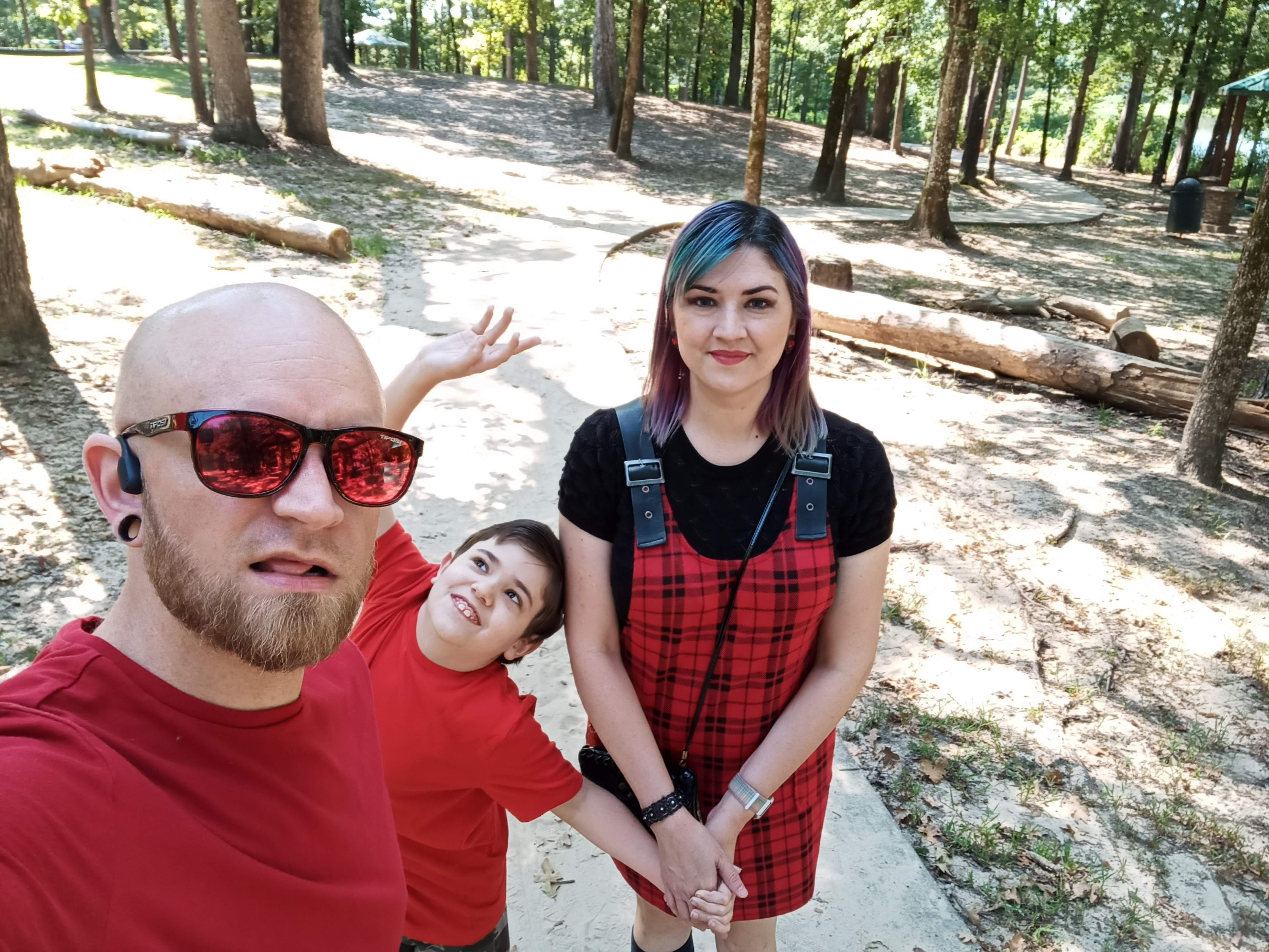 BLU G91 Pro front camera sample: a group selfie with my family