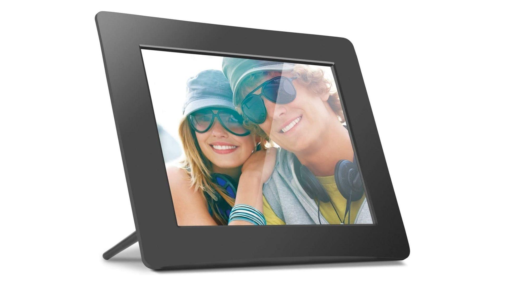 Aluratek 8 Inch LCD Digital Photo Frame