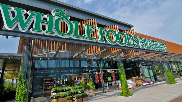 """Whole Foods Will Soon Let You """"Just Walk Out"""" Without Paying Cash"""