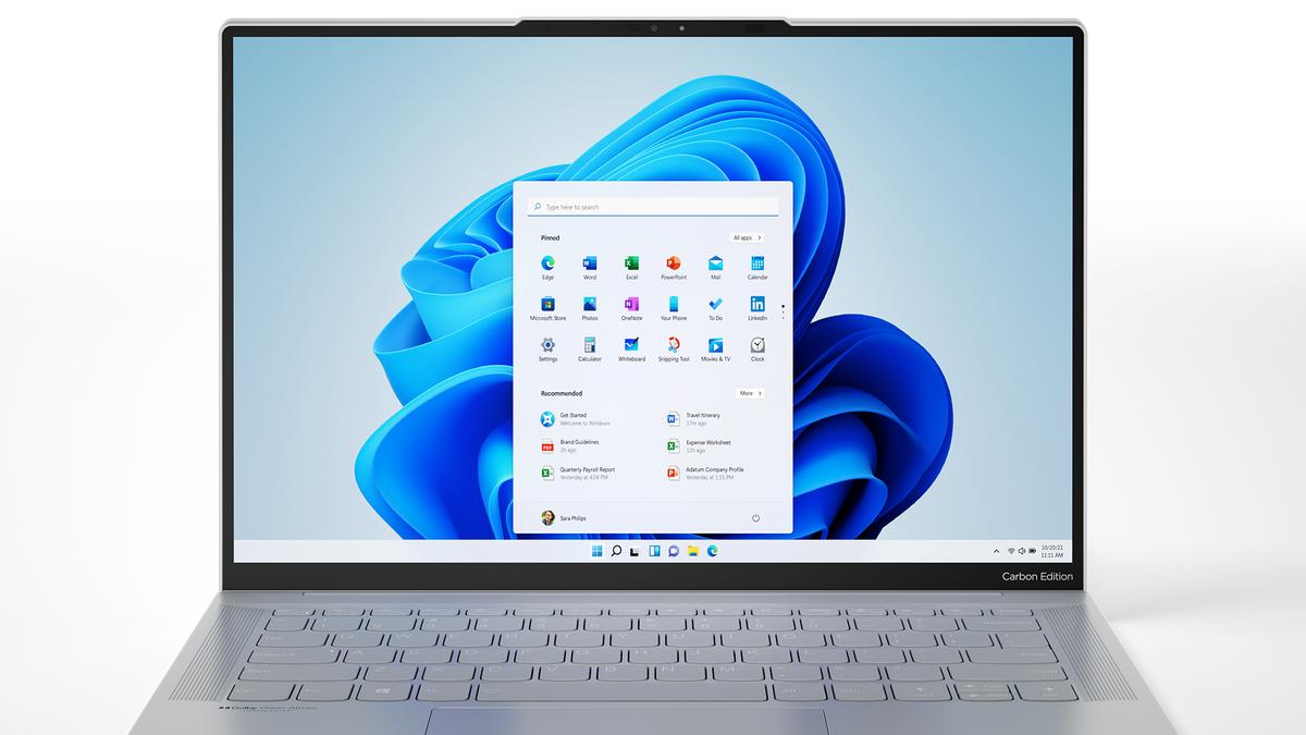 Lenovo IdeaPad Slim 7 Carbon with Windows 11 homescreen