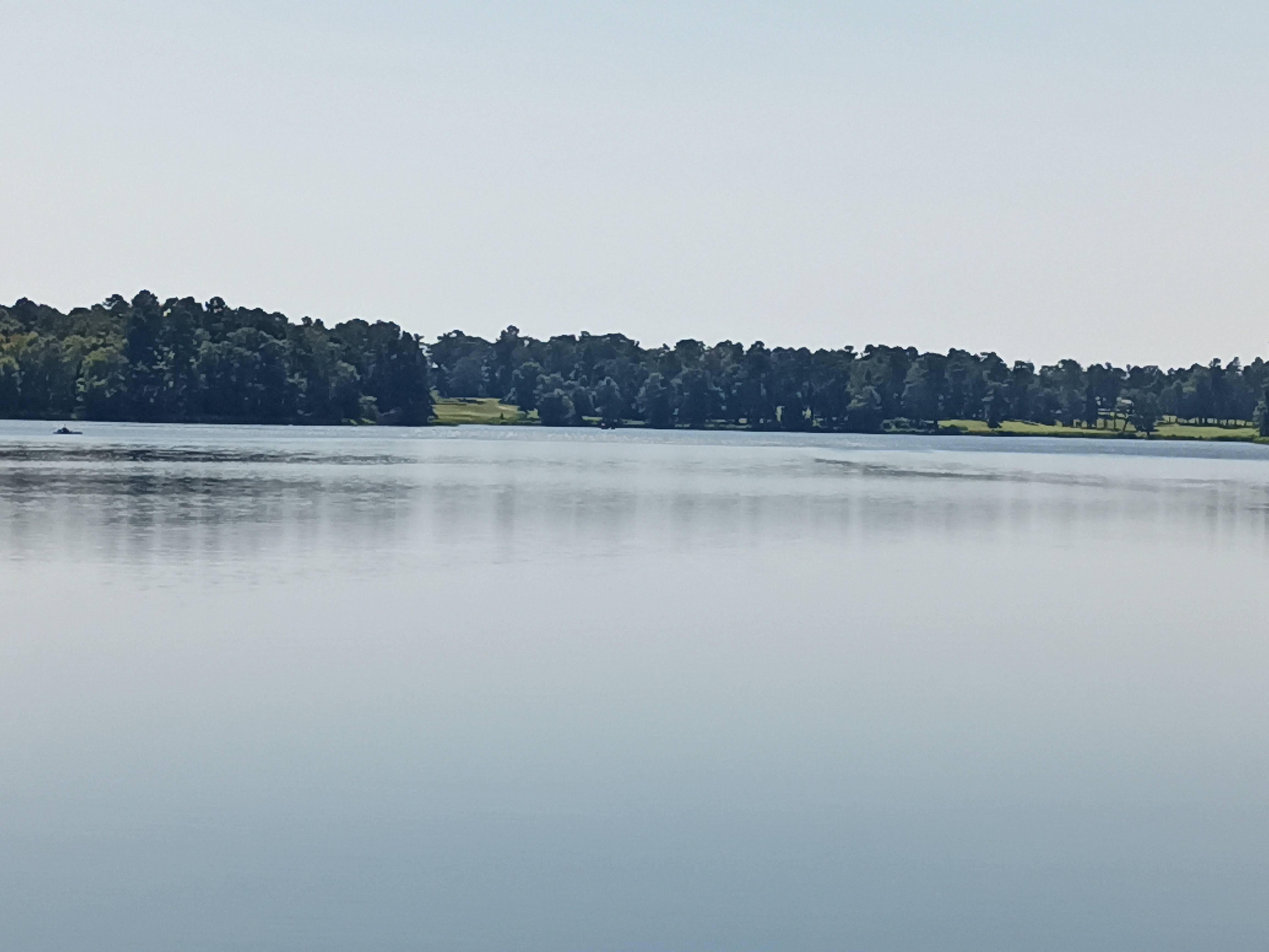 BLU g91 Pro photo sample: a landscape with a lake, 4x zoom