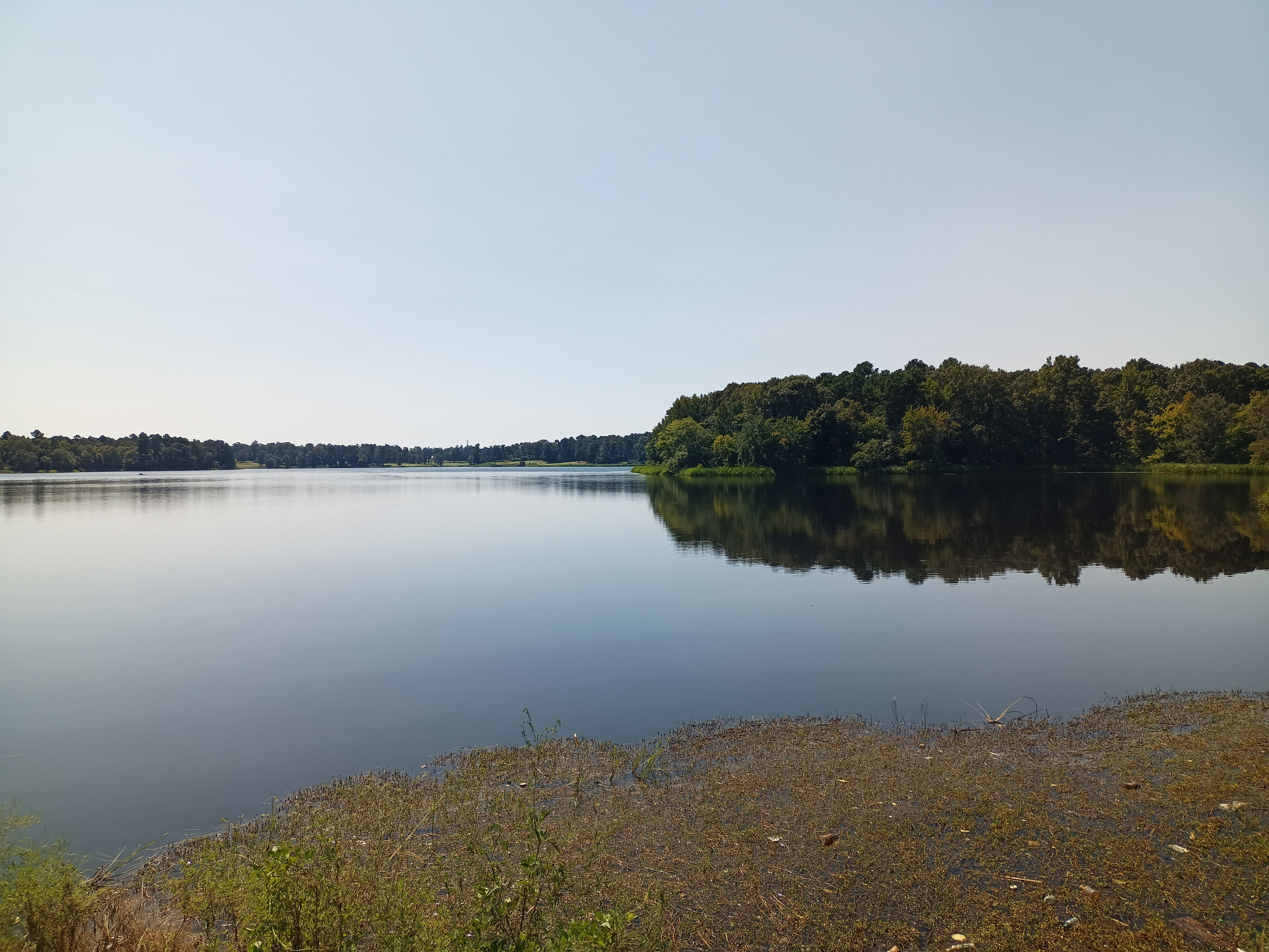BLU g91 Pro photo sample: a landscape with a lake, regular crop