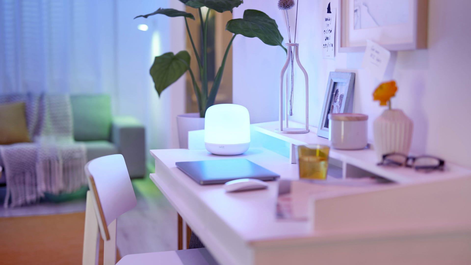 WiZ Hero Smart Lamp
