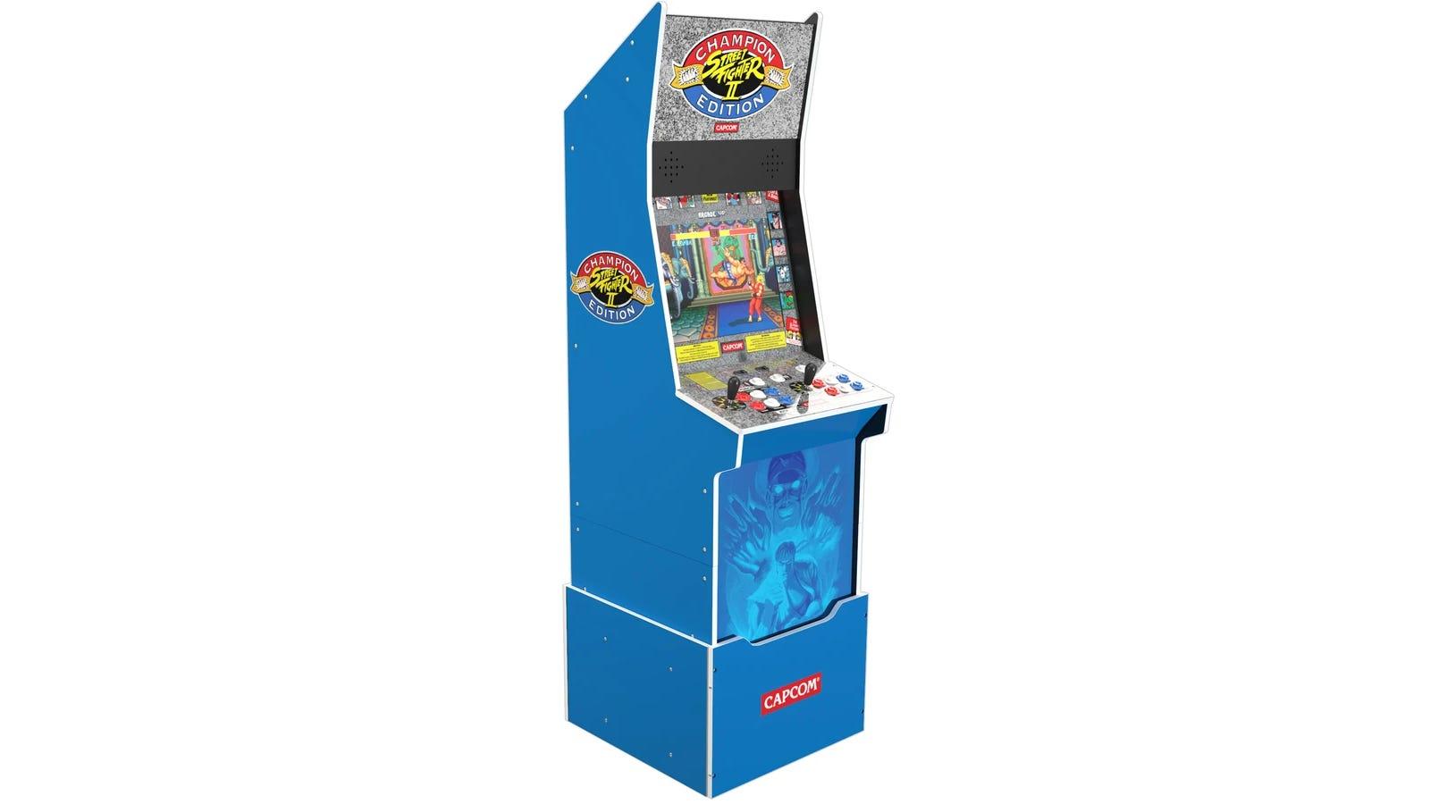 Street Fighter™II Big Blue Arcade Machine