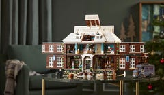 This New LEGO 'Home Alone' Set Looks Amazing, Unlike the Disney+ Remake