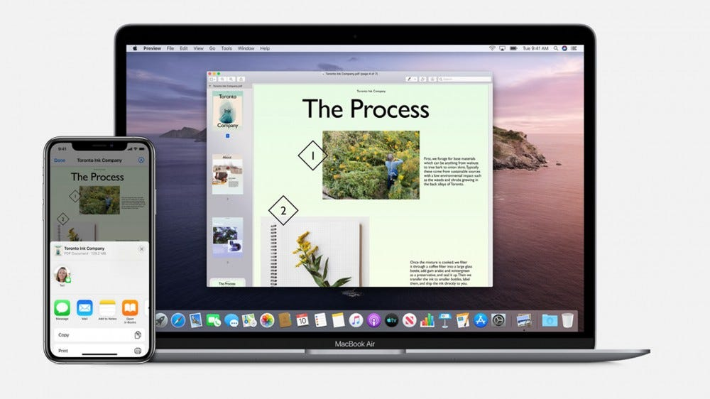 An example of AirDrop between the iPhone and MacBook Air.