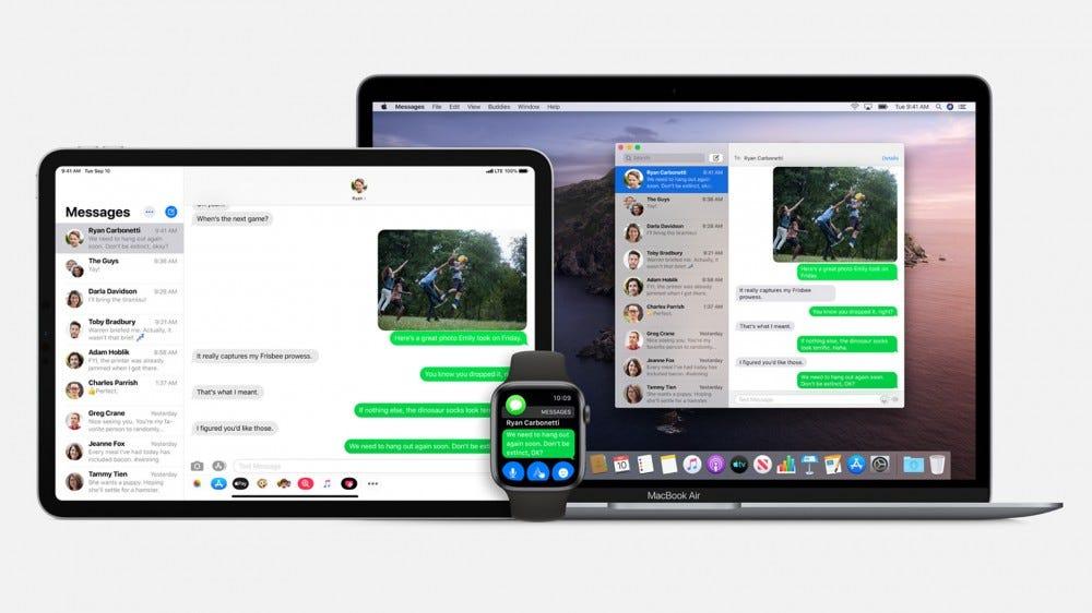 Példa az Üzenetek alkalmazásra iPhone és Mac rendszeren