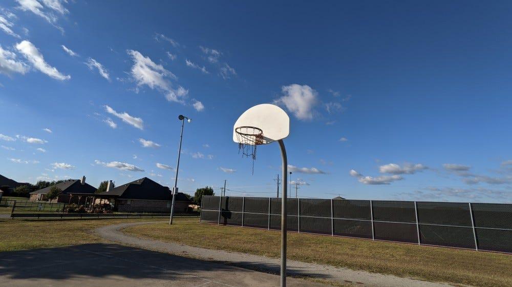 Pixel 4a 5G camera shots: basketball hoop
