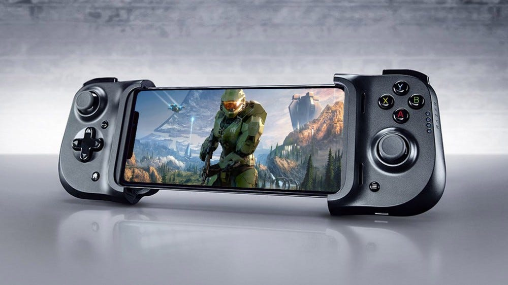 iPhone playing Xbox Game Pass, Halo