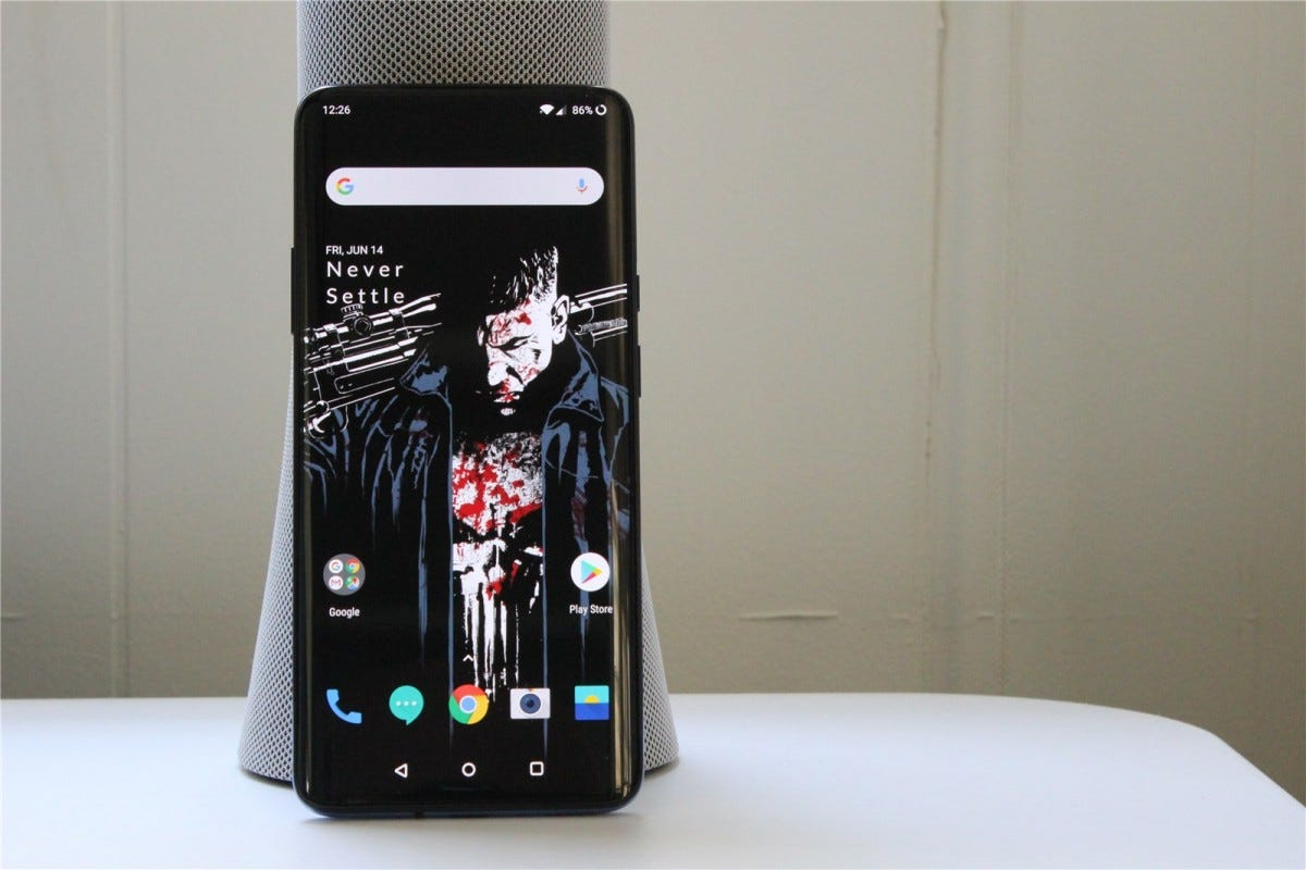 The OnePlus 7 Pro's Display is big and beautiful