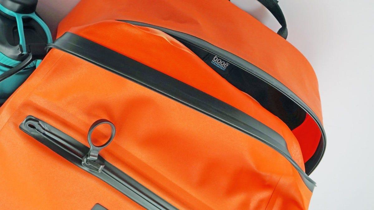The Booē Hybrid 20 backpack.