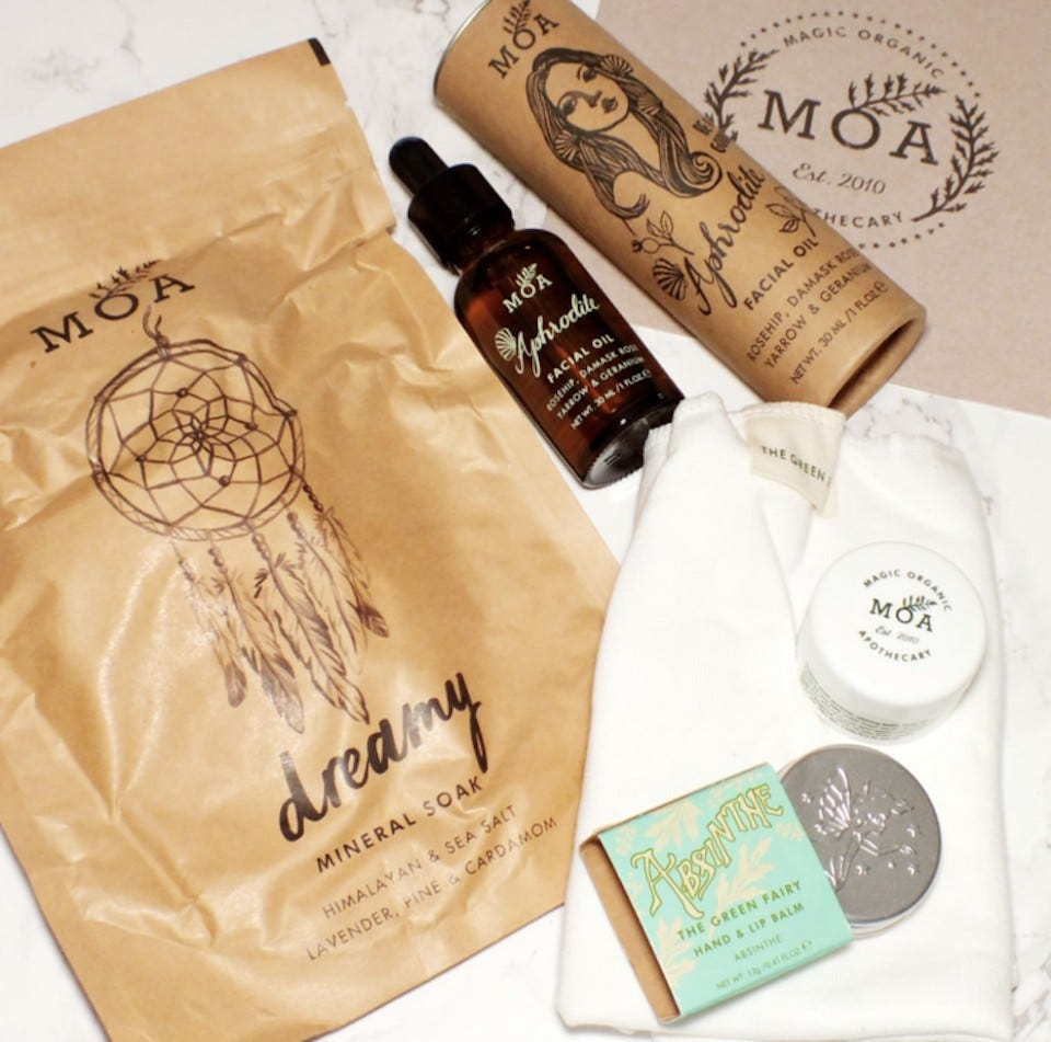 Pearlesque Subscription Box