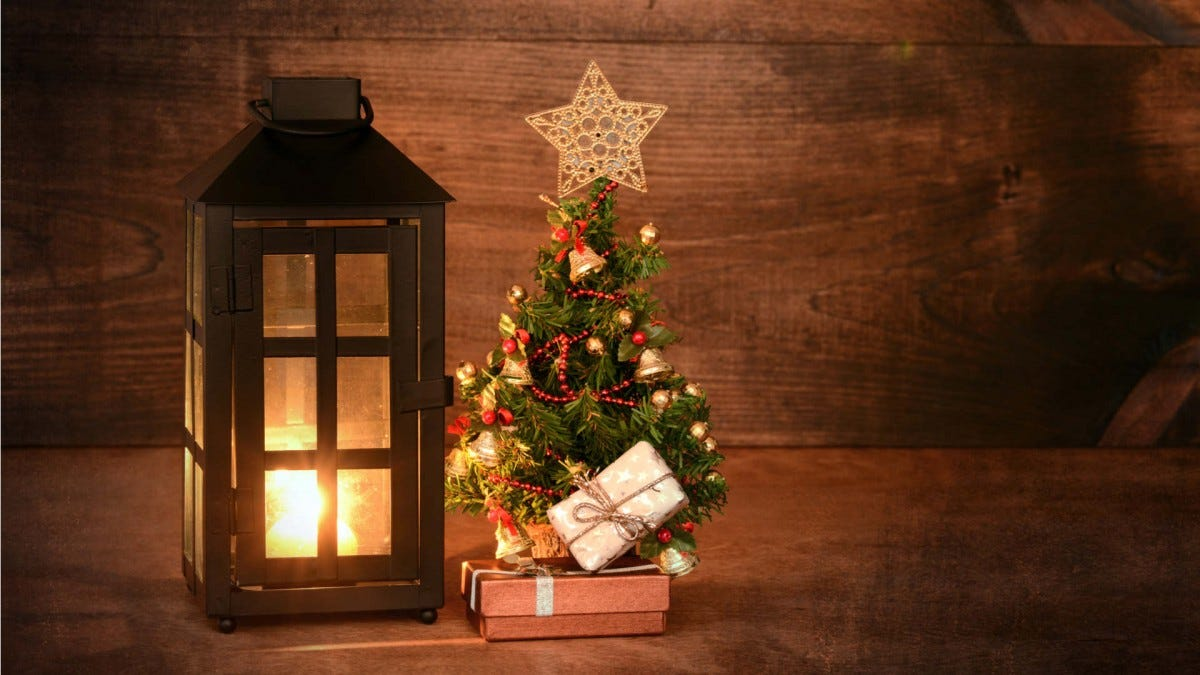 The Best Mini And Table Top Christmas Trees For Decorating ...